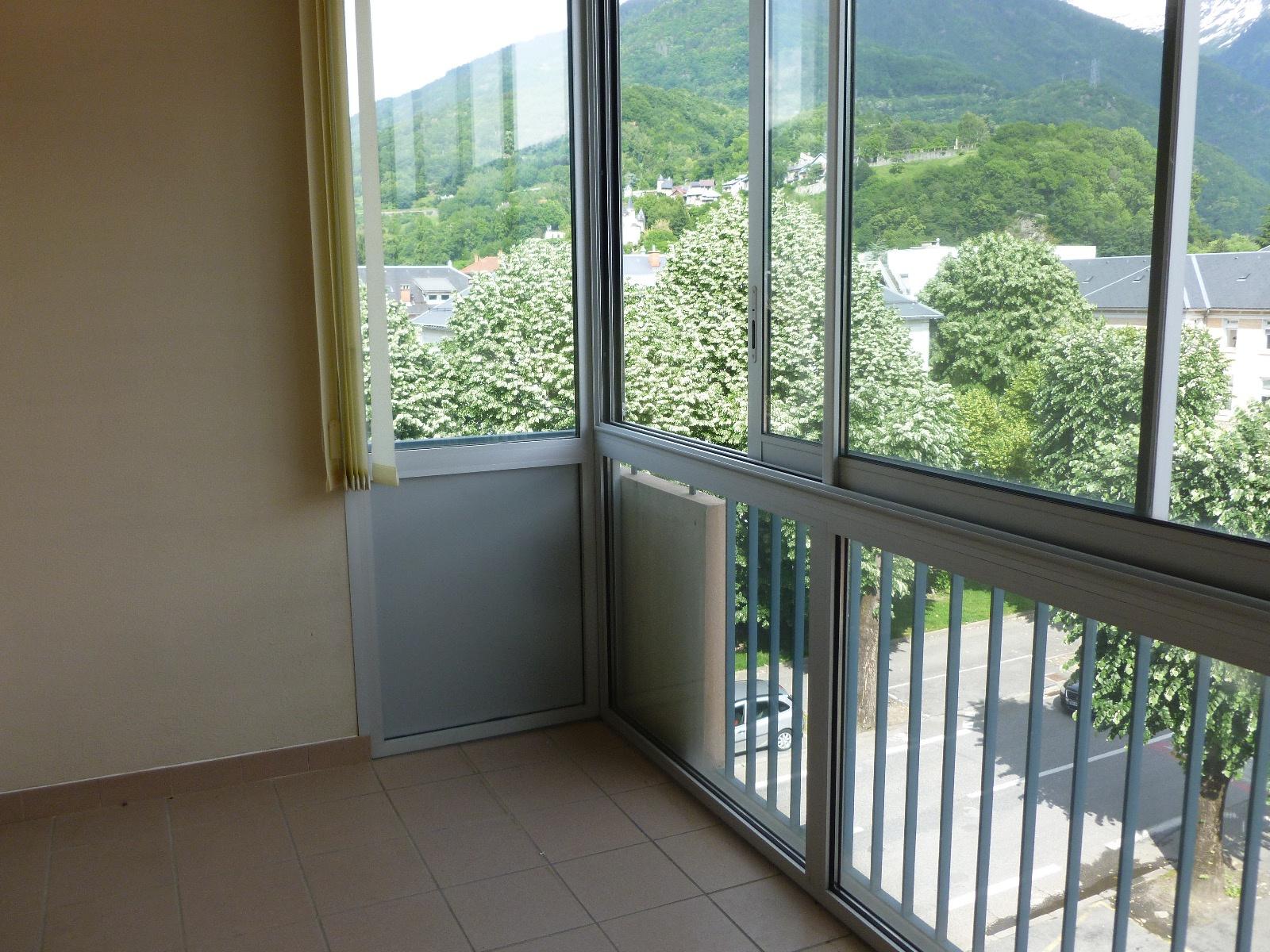 Vente appartement t1 40m2 avec balcon cave et garage for Appartement garage
